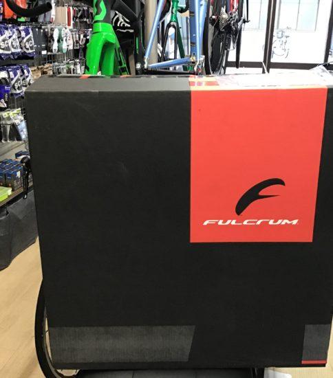FULCRUM Racing ZERO Competizone REDCUSTOM 入荷しました。